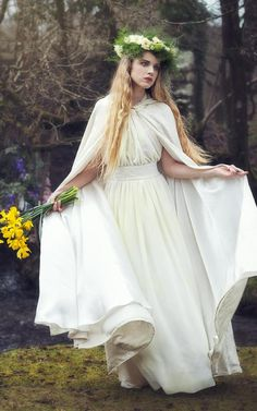 Long cloak in crushed ivory velvet with ivory satin lining. Perfect for slipping over a wedding / handfasting gown. White Cloak, Witch Outfit, White Springs, Handfasting, Woodland Wedding, Lolita Dress, Friend Wedding, Fashion Forward, Cute Outfits