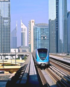 Dubai architecture – buildings of the United Arab Emirates Illustration Description Dubai metro A city with modern architecture, one of the world's most amazing buildings and luxury – for 40 years of poor fishing spot Dubai has grown into a. Amazing Buildings, Amazing Architecture, Modern Architecture, Dubai Buildings, Skyscrapers, Dubai City, Dubai Uae, Places To Travel, Places To Visit