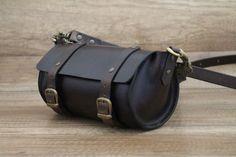 Leather purse, Italian leather bag, small handbag, cylinder bag, handmade leather saddle bag, cross body vegetable tanned leather bag.