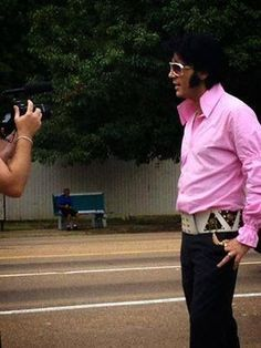 Sometimes MISTAKENLY pinned as Elvis Presley. This is NOT Elvis but UK based ETA Chris Connor in Memphis a couple of years ago! Please look closely!
