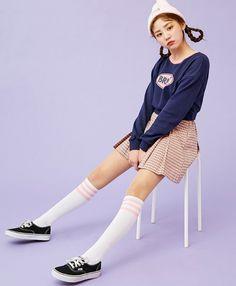 icecream12 - Lettering Cropped Sweatshirt