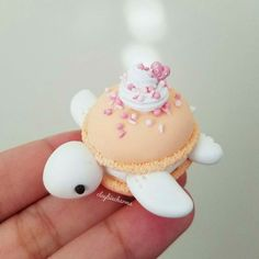 👆Swipe to see some glitter action. Did some experimenting and decided to sprinkle some fairy dust on this macaron turtle 💖 What do you guys think? Should I add fairy dust to some more? 🎀Restock is tommrow at EST! Polymer Clay Turtle, Cute Polymer Clay, Cute Clay, Polymer Clay Creations, Polymer Clay Crafts, Macaron Cookies, Macaroon Cake, Cute Baking, Rainbow Food