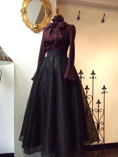 lolita dress Pretty Outfits, Pretty Dresses, Beautiful Dresses, Gothic Dress, Lolita Dress, Old Fashion Dresses, Fashion Outfits, Fashion Boots, Mode Outfits