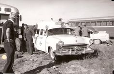 Image Station Wagon Cars, Holden Australia, American Flag Wood, Ambulance, Ford Trucks, Old And New, Antique Cars, Classic Cars, Movie