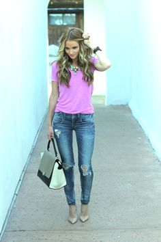 Plain T & Jeans dressed up with heels, statement necklace & a great bag