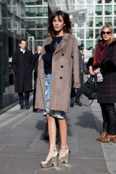 Love Your Look: Alexa Chung's chic street style with disco platforms | Visual Therapy
