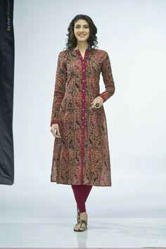 cotton kalamkkari more details call or text Salwar Pattern, Kurta Patterns, Dress Patterns, Churidar Designs, Kurta Designs Women, Dress Neck Designs, Blouse Designs, Kurta Neck Design, Mode Hijab