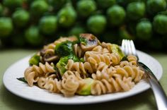 Daniel fast-Brussels Sprouts Pasta (minus Brussels sprouts, maybe add spinach) Healthy Eating Recipes, Veggie Recipes, Pasta Recipes, Whole Food Recipes, Diet Recipes, Recipies, Cheap Recipes, Yummy Recipes, Cooking Recipes