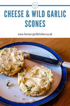 Do you forage for free food? Seasonal Cheese and Wild Garlic Scones are a tasty savoury scone that's simple to make and adds the mild garlic flavour of wild garlic to a rich cheese scone. Perfect to serve with soup or make mini scones and serve as canapes. #scones #cheese #wildgarlic #recipe Methi Recipes, Garlic Recipes, Veggie Recipes, Vegetarian Recipes, Cooking Recipes, Healthy Recipes, Cheese Scones, Savory Scones, Lemon Cello Recipe