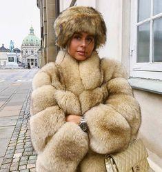 Home of Fur Fetish Fox Fur Jacket, Fox Fur Coat, Fur Coats, Fox 6, Winter Fashion 2015, Stunning Brunette, Fabulous Fox, One By One, White Fur