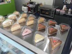 Buenas tardes... ven a #Káapehtear con un delicioso postre y un delicioso frappuccino o frappé el que más te guste!  SERVICIO A DOMICILIO AL (983) 162 1240.  #Promociones #KáapehCOMBO #Desayunos #Káapehtear #Káapehtería #TeHaceElDía #ConsumeLocal #Cafetería #Café #Alimentos #Postres #Pasteles #Panes #Cancún #Chetumal #México
