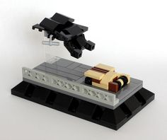 dark knight rises - minimalist lego constructions of sci fi movies Legos, Lego Knights, Lego Sculptures, Micro Lego, Lego Construction, Today In History, The Dark Knight Rises, Cool Lego, Awesome Lego