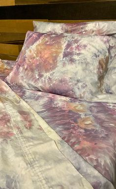 Hand Dyed Bedding Watercolor Tie Dye Bedding Flat and Fitted Cotton Sheets, Watercolor Bedding, Watercolor Fabric, Ice Tie Dye, Tie Dye Bedding, Full Duvet Cover, Ice Dyeing, King Pillows, Beauty