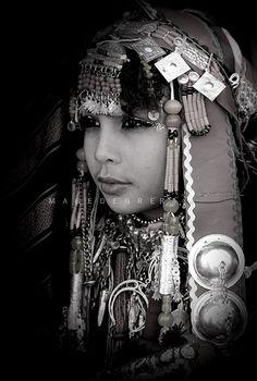 Africa | Libyan girl in traditional costume | ©Majed Egira