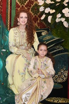 MOROCCO ~ 2014 ~ Morocco's King's wife Lalla Salma and daughter Lalla Khadija attend the henna ceremony, as part of Royal Wedding of celebrations Prince Moulay Rachid and Miss Oum Keltoum Boufares, at the Royal Palace in Rabat, Morocco Moroccan Caftan, Moroccan Style, Caftan Gallery, Estilo Real, Caftan Dress, Kimono, Royal Fashion, Mode Style, Traditional Outfits