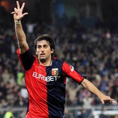 Diego Milito (Genoa cfc 1893) Genoa Football, Genoa Cfc, You'll Never Walk Alone, Walking Alone, Football Players, Sports, Grande, Garter, Legends