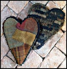 Heavens to Betsy Backing and hooking by Betsy She teaches how to wide strip hook and do patchwork backing in her classes.PATTERN 2 Hearts 11 1/2 x about 9 1/2