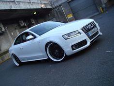 Audi RS5 black rims white lip 20's
