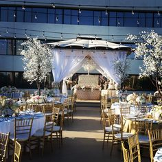 The Westin South Coast Plaza, Orange County weddings, Winter Weddings, outdoor weddings, dinner reception, centerpieces, linens, uplighting, winter wonderland, wedding decor, #thewestinscp #twscp #westinweddings #southcoastplaza #thewestin