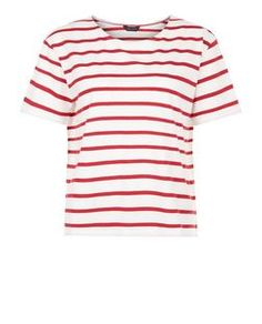 Make sure your wardrobe is complete with our must-have collection of women's tops. With free delivery options available, shop your favourites at New Look. Red Pattern, Summer Tshirts, Striped Tee, White Tops, New Look, My Style, Tees, Mens Tops, T Shirt
