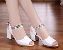 Hot selling 2015 summer genuine new rhinestone female sandals women sandals with thick genuine leather Fish mouth black sandals(China (Mainland))