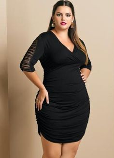 Vestido com Franjas Plus Size Preto - Quintess