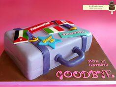 Torta con valigia www.la-pasticciona.it