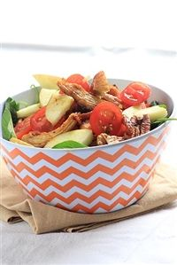 Weigh-Less Online - Crispy Apple And Chicken Salad Chicken Salad, Serving Bowls, Salads, Healthy Recipes, Apple, Meals, Lifestyle, Tableware, Food