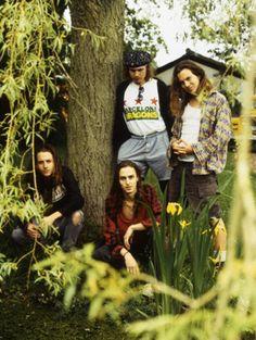 Pearl Jam Aka The long haired hotties