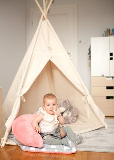 A sweet little girl with Natural Beige Teepee 😍 Check this model on our website!