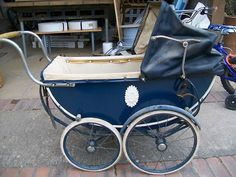 My Baby Buggy was big and blue and looked like this. I loved it! Vintage Stroller, Vintage Pram, Pram Toys, Dolls Prams, Pram Stroller, Baby Strollers, Antique Crib, Silver Cross Prams, Prams And Pushchairs