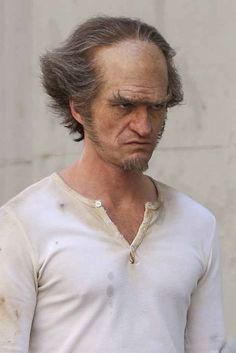 Back in April, we were given the first glimpse of Neil Patrick Harris as the nefarious villain Count Olaf. Les Orphelins Baudelaire, Count Olaf, Teen Wolf Funny, Neil Patrick Harris, Lemony Snicket, I Gen, A Series Of Unfortunate Events, Jim Carrey, Netflix Series