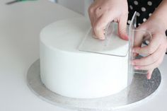 How to get those sharp edges on your cakes - FANTASTIC, yet simple advice, with some photos. Via Wee Love Baking (FIXED LINK)