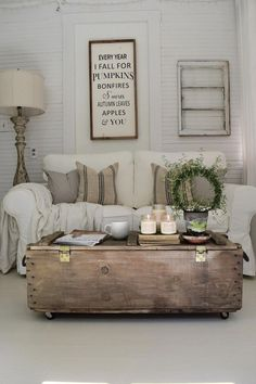 Country home decorating - Cozy to stunning country home decor tips. The article number filed at southern country home decorating beautiful on moment 20190502 Sunroom Decorating, Decorating Your Home, Decorating Ideas, Interior Decorating, Sunroom Ideas, Cottage Decorating, Interior Designing, Decorating Websites, Interior Ideas