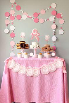 Baby shower or little girl birthday: Donut Party Donut Birthday Parties, Birthday Table, Diy Birthday, Fiesta Shower, Shower Party, Boda Vintage Ideas, Mesas Para Baby Shower, Donut Bar, Polka Dot Party