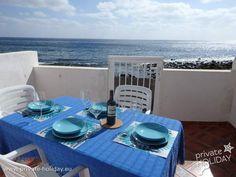 Dieses schöne Strandhaus befindet sich direkt am Kieselstrand von Igueste de San Andrés, einem malerischen Dörfchen, im grünen Norden Teneriffas.