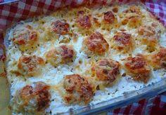 Van egy fenséges vacsoraötletünk tejszínes sajtos húsgolyók! Finom és nagyon laktató! Hozzávalók: 500 g darált hús (tetszés szerinti) 1 nagy hagyma 1 tojás 3 gerezd fokhagyma 200 ml főzőtejszín 150 g reszelt sajt só bors aprított petrezselyem liszt Elkészítése: A darált húst tedd egy tálba a felaprított hagymával, a petrezselyemmel[...] My Recipes, Cooking Recipes, Favorite Recipes, Hungarian Recipes, Pork Dishes, No Cook Meals, I Foods, Main Dishes, Food And Drink