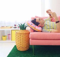 pineapple basket + pink sofa