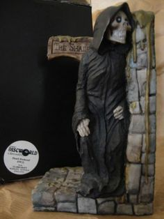 Clarecraft Terry Pratchett's Discworld Rincewind DW11/Death Bookend RARE V2 DW12