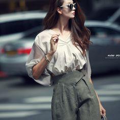Pump fabric color combination Blouse  summer blouse beige blouse luxury blouse 딘트 dint
