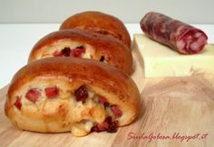 Panino Napoletano Hot Dog Buns, Hot Dogs, Bagel, Biscotti, Italian Recipes, Buffet, Favorite Recipes, Bread, Reggio Calabria