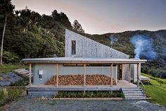 Das Idyllische Haus Mit Holzverkleidung In Neuseeland, U201cBack Country Houseu201d  Genannt, Steht In Einer Engen Verbindung Mit Seiner Ländlichen Umgebung. LTD
