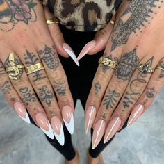What Christmas manicure to choose for a festive mood - My Nails Finger Tattoos, Finger Tattoo Designs, Sexy Nails, Dope Nails, Hand Tattoos For Women, Tattoos For Guys, Tribal Hand Tattoos, Mandala Hand Tattoos, Cute Hand Tattoos