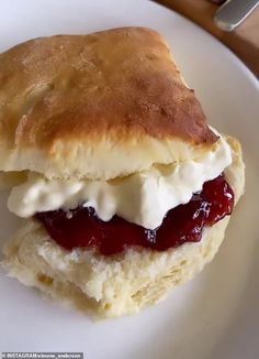 Drop Scones, Yummy Treats, Baking Soda, Sandwiches, Desserts, Breakfast, Daily Mail, Recipes, Food