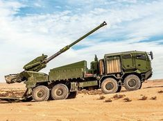 Atmos 2000 howitzer artillery system mounted on Tatra 38 300 truck chassis Military Gear, Military Weapons, Military Vehicles, Armored Vehicles, Manila, Cannon, Cool Cars, Transportation, Places To Visit