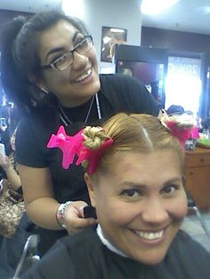 Here we go. My daugther get ready to cut my hair.