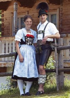 European Costumes, European People, German Folk, Folk Costume, Brown Fashion, Ethnic Fashion, Bavaria, Cool Pictures, Lady