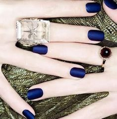 So pretty for fall/winter. Navy blue nails & pale skin. Me all the way.