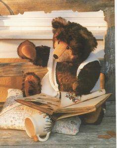 Once upon a time. Teddy Bear Hug, Old Teddy Bears, Bear Hugs, Teddy Bear Toys, Vintage Teddy Bears, Teddy Edwards, Poodles, Snuggles, Cuddling