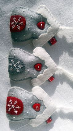 Set of Three WhiteRedGrey Winter Snowflake House door AgnesFeltCraft #feltornaments